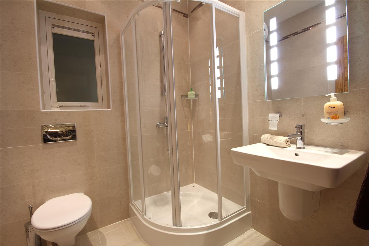 Spacious and luxury en-suite with shower
